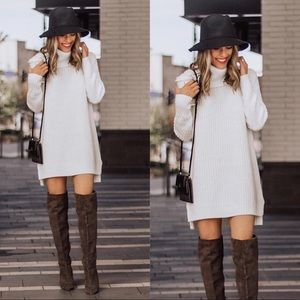 Sweaters - Oversized white turtleneck slouchy sweater